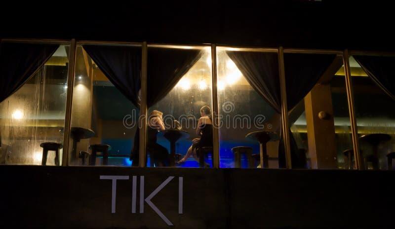 11/12/18 de opinião Tiki Bar Dumaguete Philippines novo foto de stock
