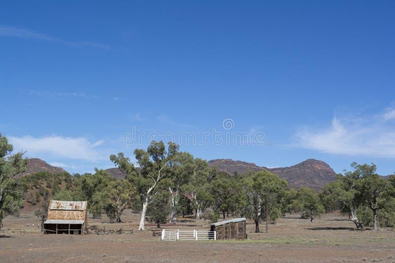 De Opslag en de Stallen, Oude Wilpena-Post, ikara-Flinders Waaiers, SA stock afbeeldingen