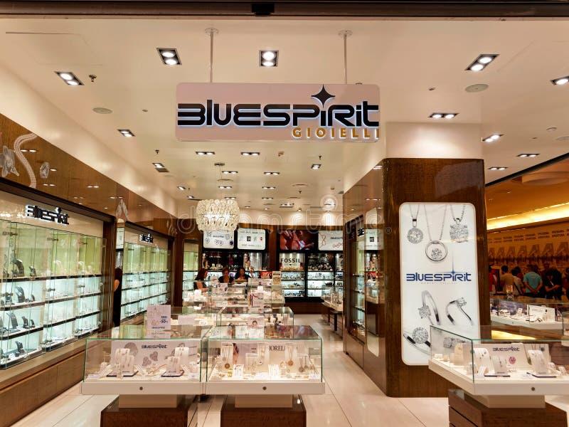 De opslag van Bluespiritjuwelen in Rome, Italië met mensen het winkelen stock foto