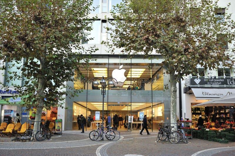 De opslag van de appel in Frankfurt stock foto's