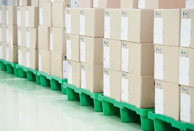 De opslagpakhuis van de productie stock foto's