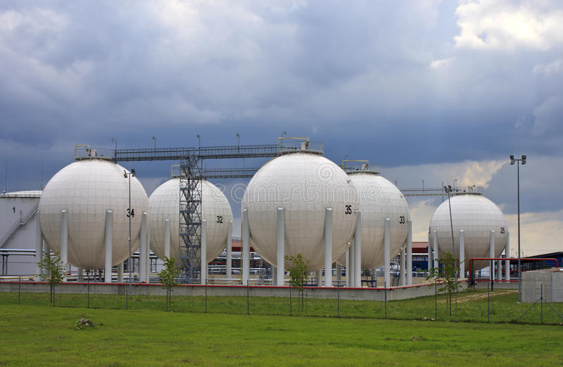 De opslagtanks van het gas stock foto's