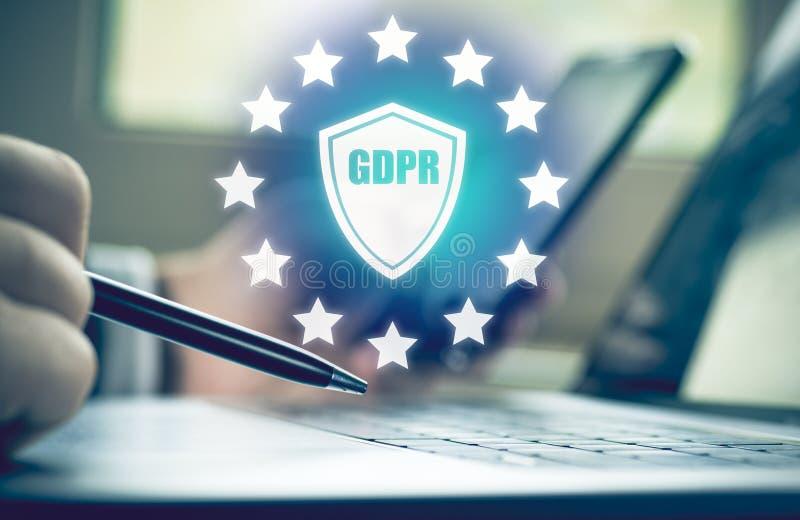De opsporing van de Cyberaanval Internet-veiligheid, informatie en het concept van de gegevensveiligheid GDPR privacy stock foto's