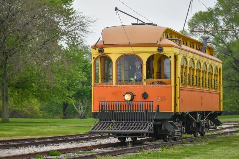 De oranje en Gele Auto van de Karretjetrein royalty-vrije stock afbeeldingen