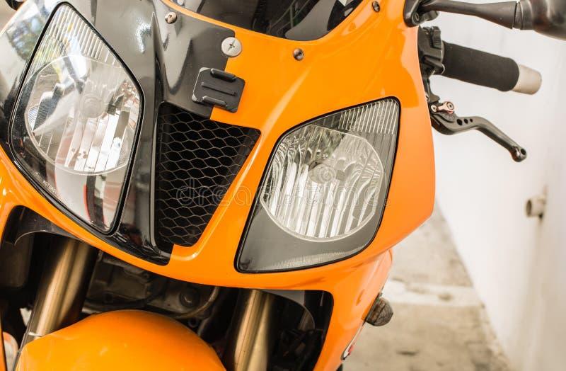 De oranje mening van de de koplampclose-up van de kleurenmotor royalty-vrije stock foto's