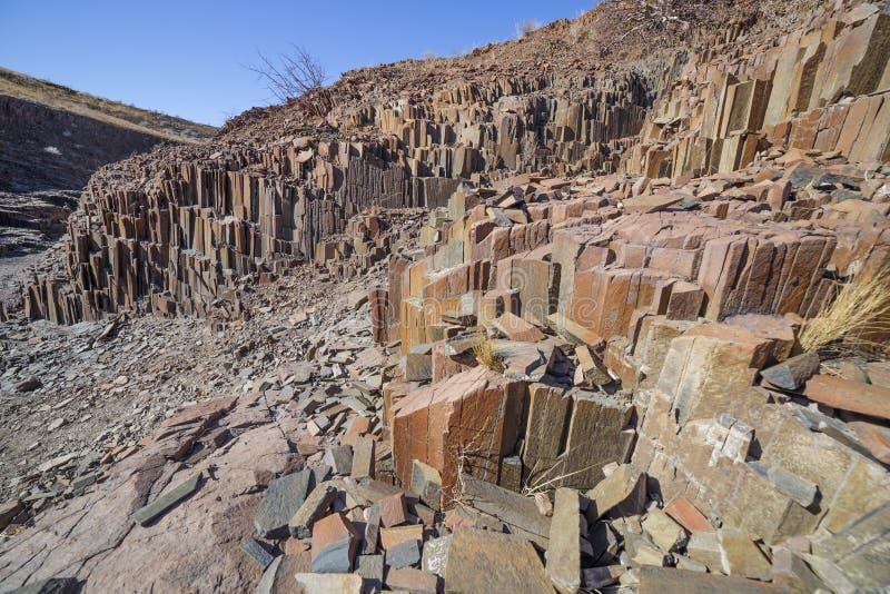 De Orgaanpijpen in Damaraland, Namibië stock fotografie