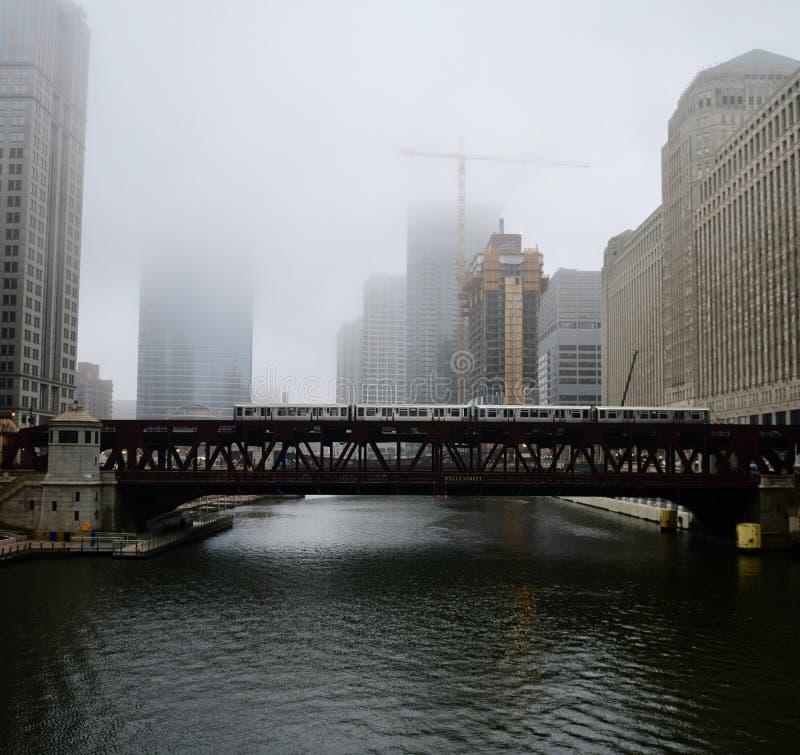 De Oriëntatiepunten van Chicago op een Foggey-Ochtend #6 royalty-vrije stock afbeeldingen