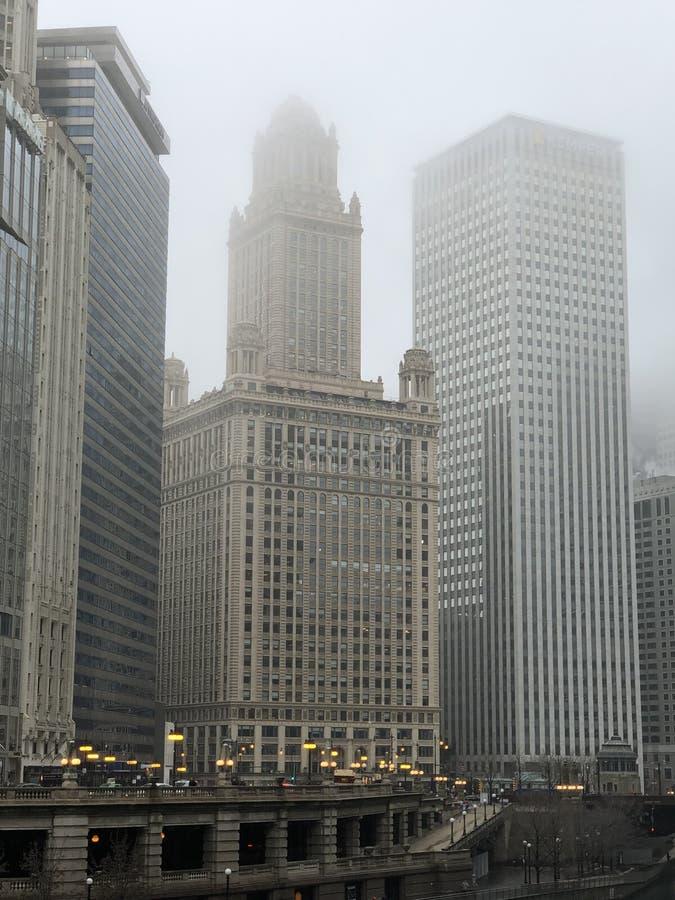 De Oriëntatiepunten van Chicago op een het Vertroebelen Ochtend #3 royalty-vrije stock foto's