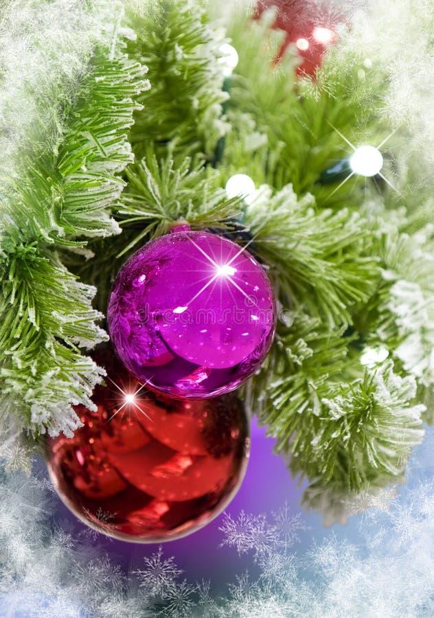 De Ornamenten van Kerstmis met Sneeuwvlokken stock afbeeldingen