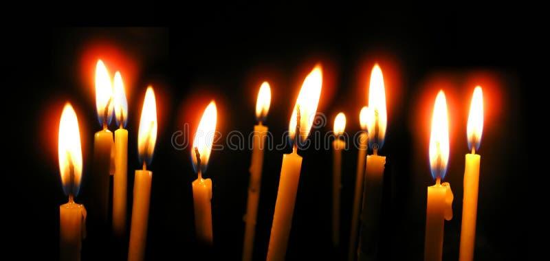 De orthodoxe Kaarsen van de Kerk stock afbeeldingen