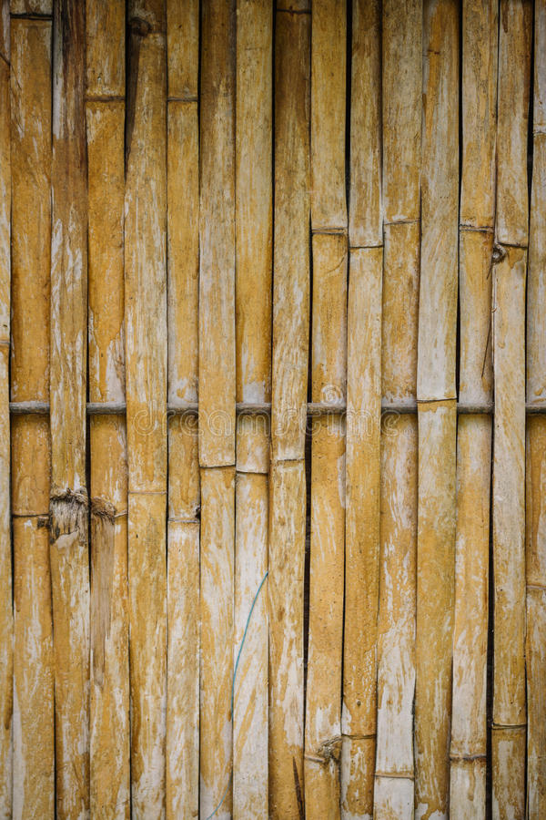 De oude achtergrond van de bamboeomheining stock foto's