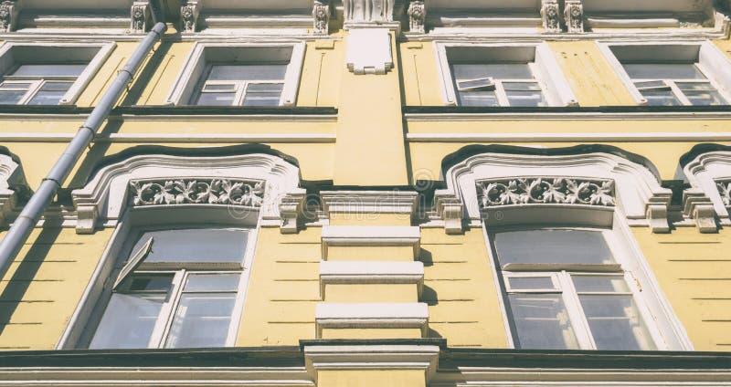 De oude architectuurbouw royalty-vrije stock afbeeldingen
