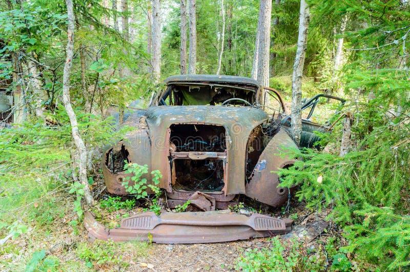 De oude autobegraafplaats stock afbeeldingen