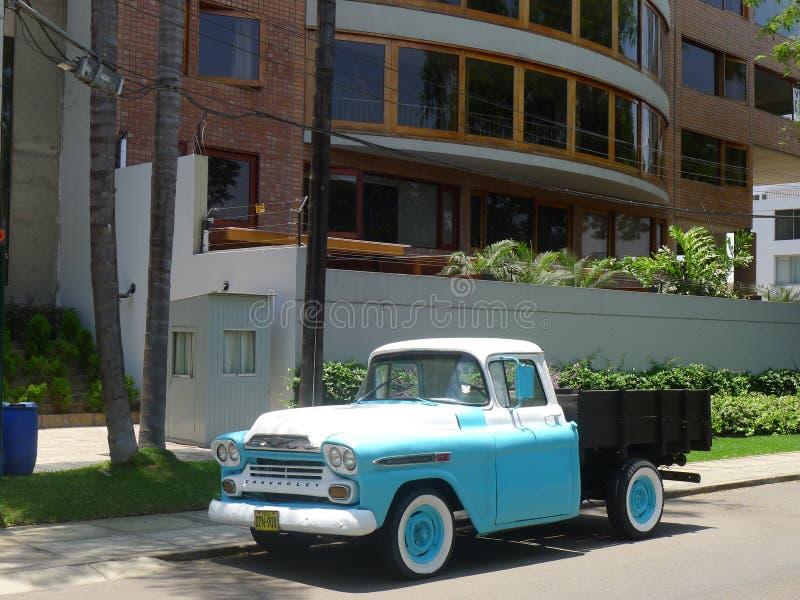 De oude Bestelwagen van Chevrolet Apache royalty-vrije stock afbeeldingen