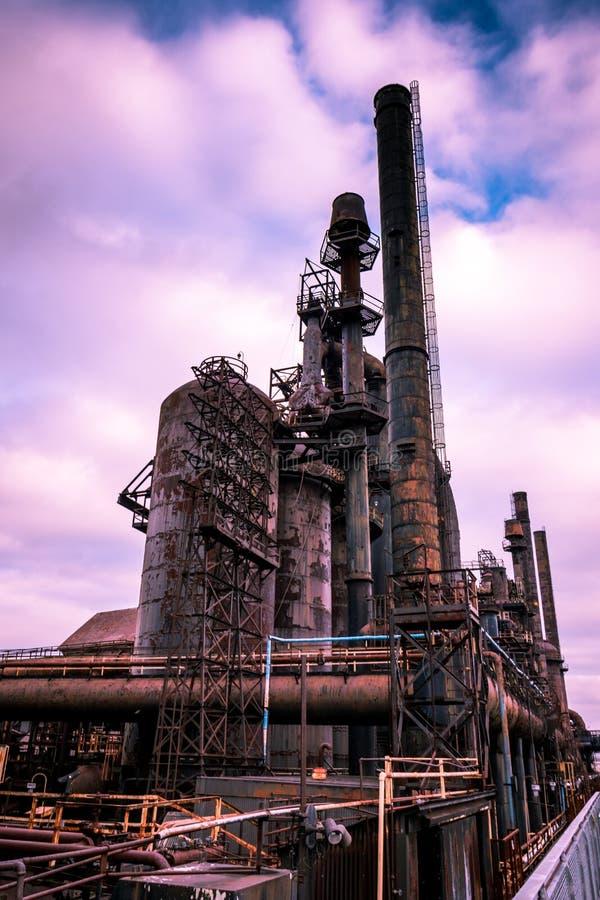 De oude Bethlehem Staalfabriek bij schemer in de winter royalty-vrije stock foto