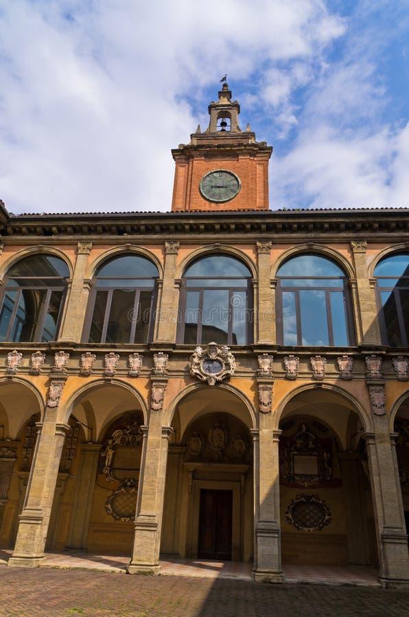 De oude bibliotheekbouw, stad van Bologna, Italië stock foto's