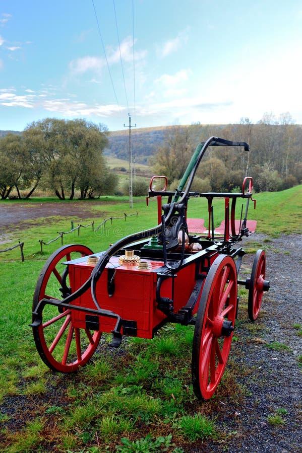De oude blokkenwagen van de brandmotor royalty-vrije stock foto's