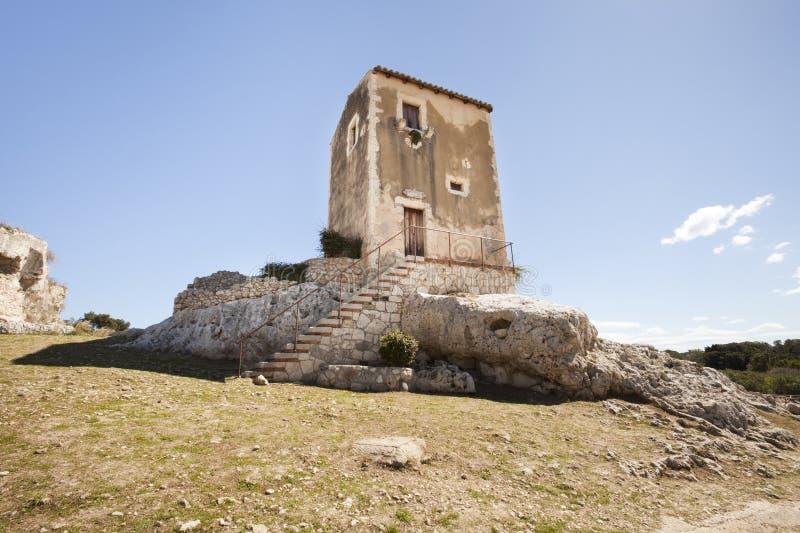 De oude bouw dichtbij het Griekse theater in Syracuse, Sicilië Italië royalty-vrije stock foto
