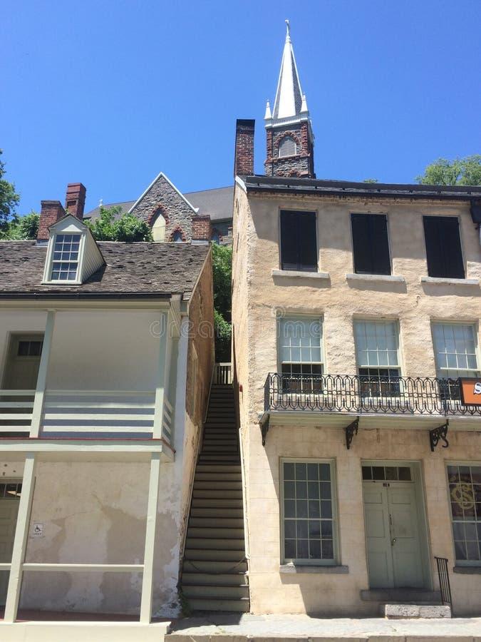 De oude bouw in een stad stock foto