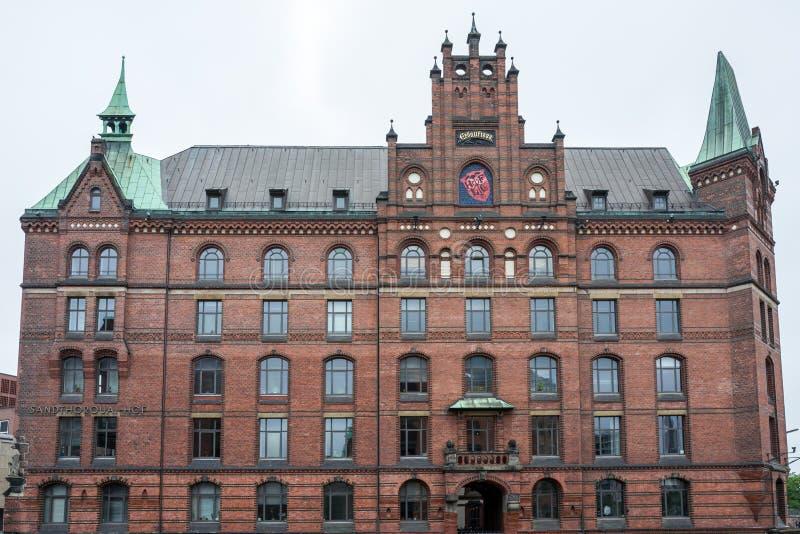 De oude bouw in het Hafencity-Pakhuisdistrict in Hamburg royalty-vrije stock foto's