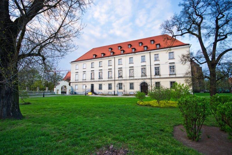 De oude bouw in Wroclaw royalty-vrije stock foto's
