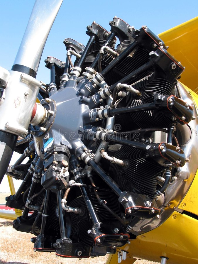 De oude close-up van de vliegtuigmotor stock fotografie