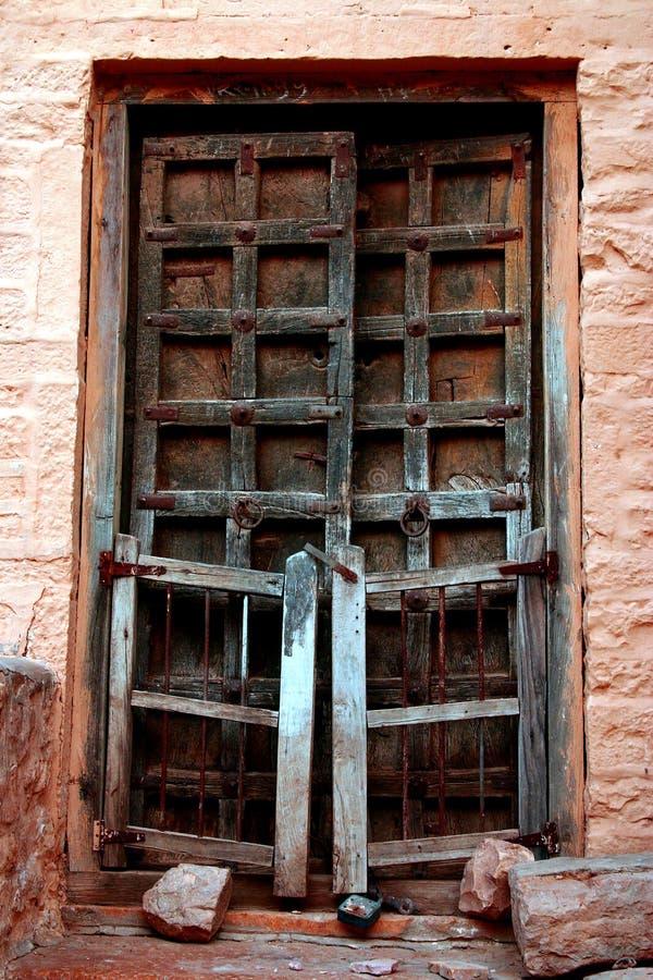De oude deur royalty-vrije stock afbeelding