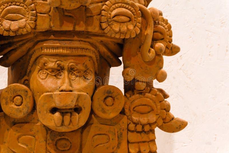 De oude funerary urn van Zapotec in de vorm van deity stock afbeelding