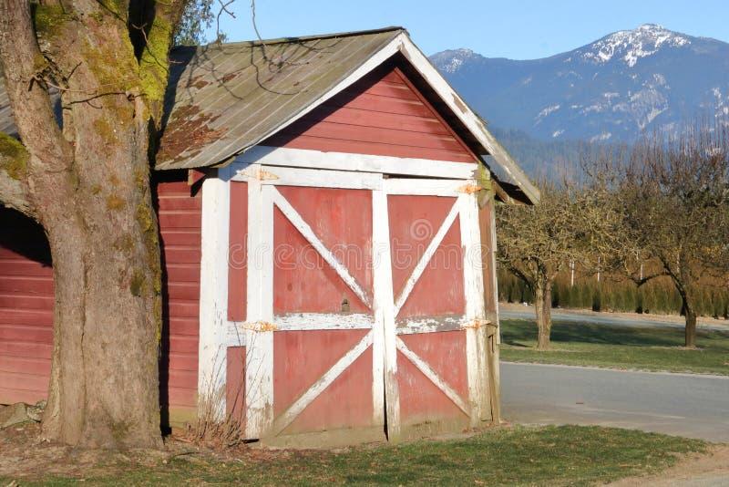 De oude Garage van het Stijl Privé Voertuig stock afbeeldingen