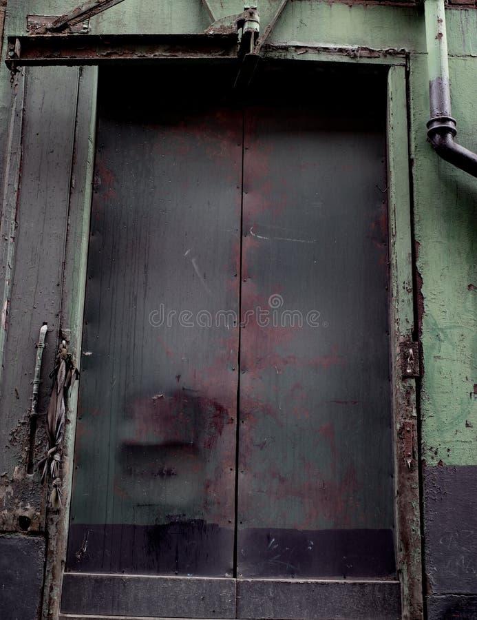 De oude Gereduceerde Verlaten oude bouw in Manchester stock fotografie
