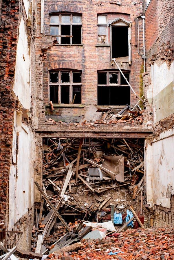De oude Gereduceerde Verlaten oude bouw in Manchester royalty-vrije stock fotografie