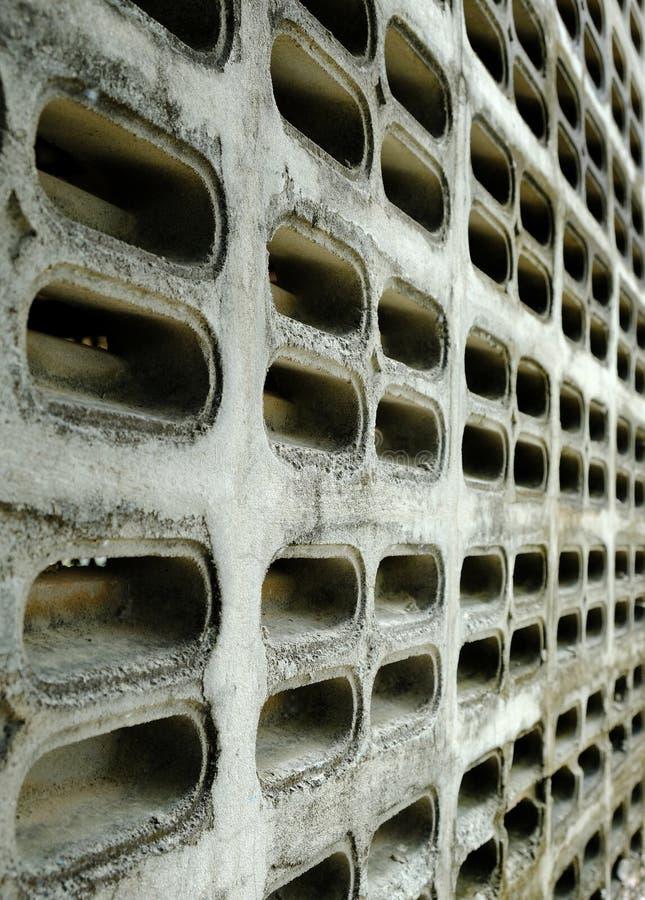 De oude Gietgalbakstenen voor luchtstroom hebben stof en grond stock foto's