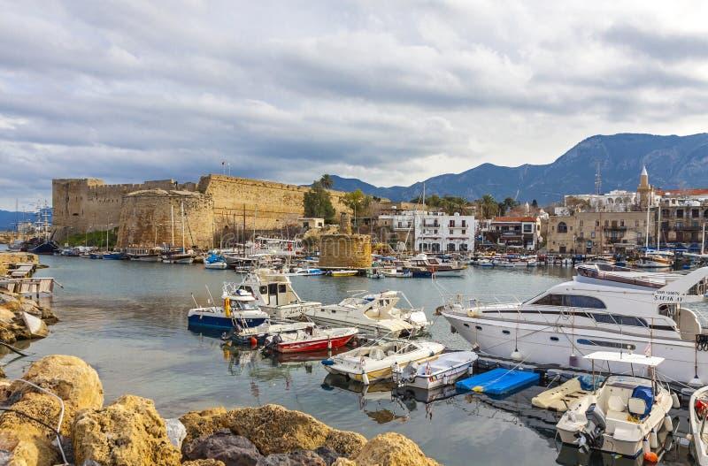 De oude haven van Kyreniagirne, Noordelijk Cyprus stock foto's