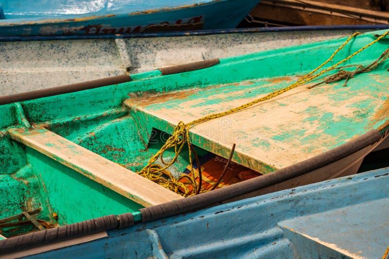 De oude haven van vissersboten verankerde Cabo San Lucas stock afbeelding