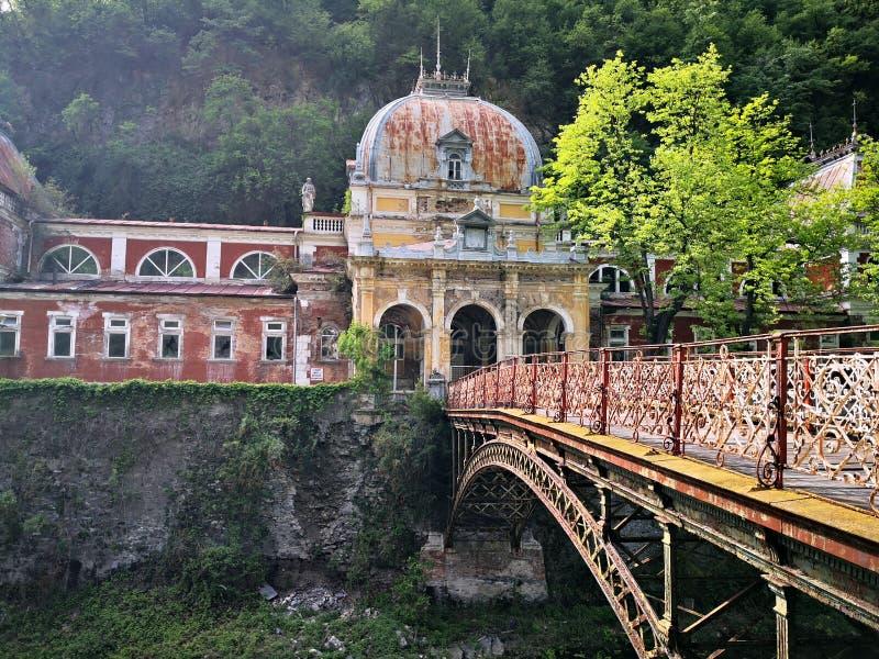 De oude historische barokke bouw - Keizeraustiacbaden Herculane stock foto's