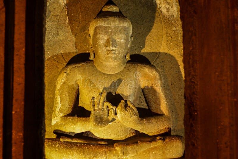 De oude holsteen sneed beeldhouwwerk bij Ajanta-Holen royalty-vrije stock foto's