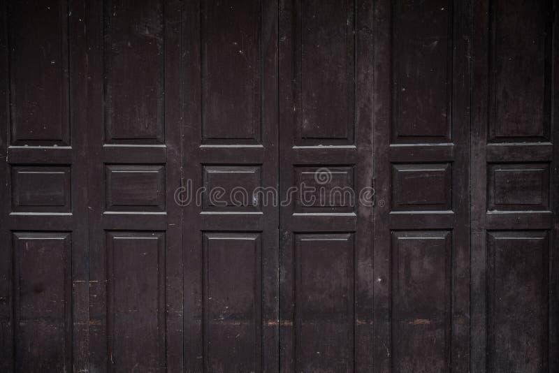 De oude oude houten achtergrond van de schommelingsdeur Wijnoogst van oude houten stock afbeelding