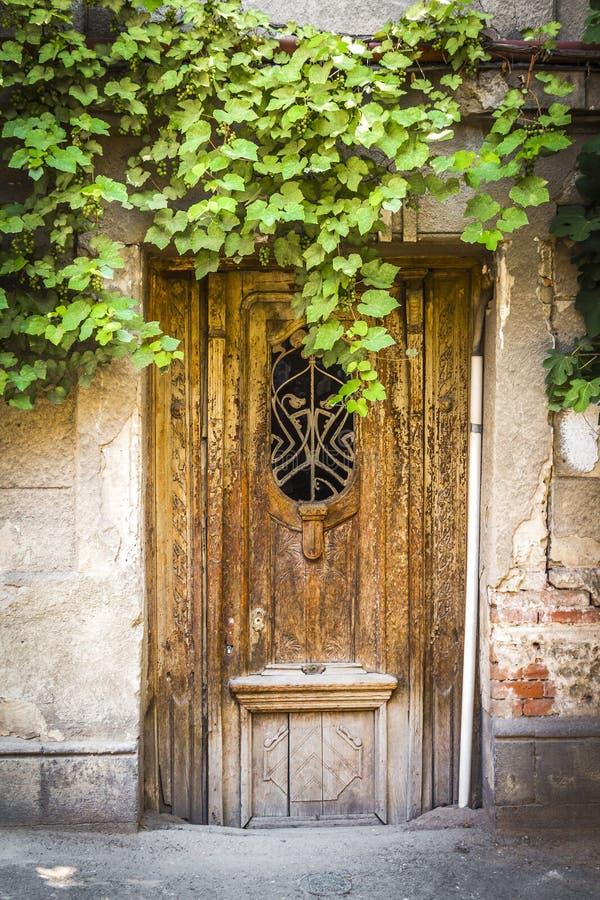 De oude houten deur stock foto