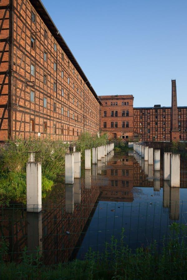 De oude Industriële Bouw op Moleneiland in Bydgoszcz stock foto's
