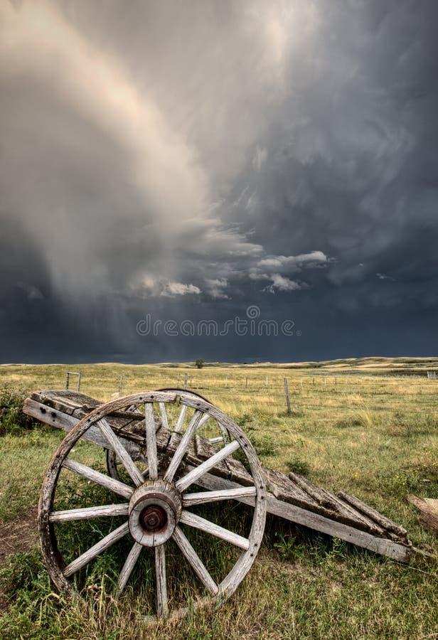 De oude Kar Saskatchewan van het Wiel van de Prairie stock foto