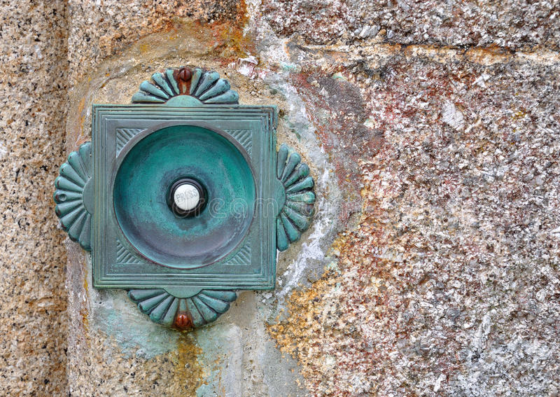 De oude klok van de koperdeur royalty-vrije stock afbeeldingen