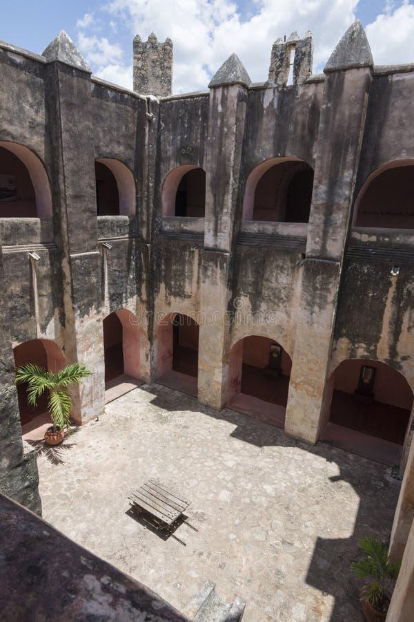 De oude kloosterbouw royalty-vrije stock foto