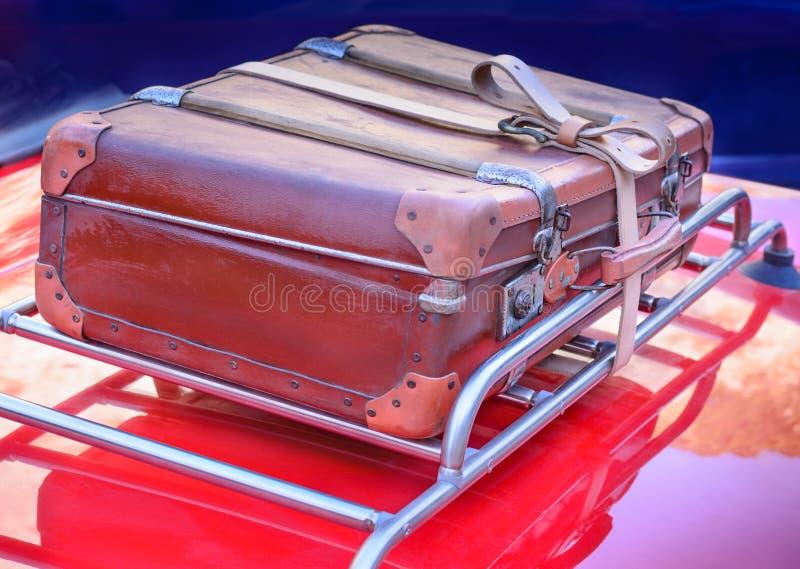 De oude koffer royalty-vrije stock foto's