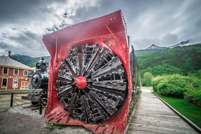 De oude locomotief van de het museumtrein van de sneeuwploeg in skagway Alaska stock fotografie