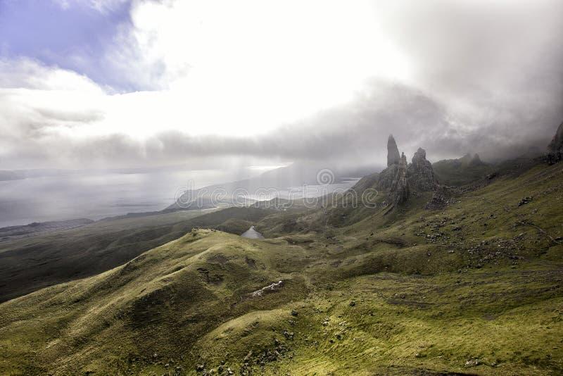 De Oude Man van Storr op het Eiland van Skye in de Hooglanden van Schotland royalty-vrije stock afbeelding