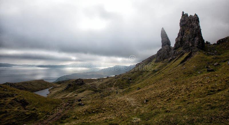 De Oude Man van Storr op het Eiland van Skye in de Hooglanden van Schotland stock afbeelding
