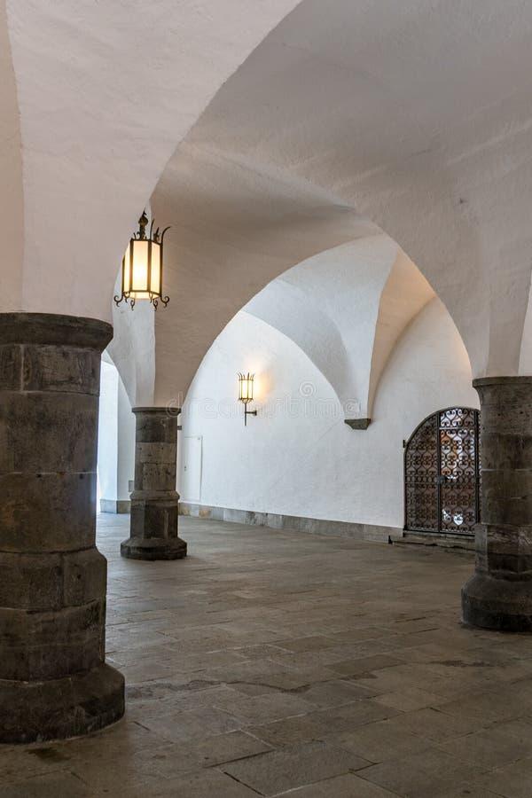 De oude marktzaal of Rathaushalle in de historische Zwitserse stad van Chur stock afbeeldingen