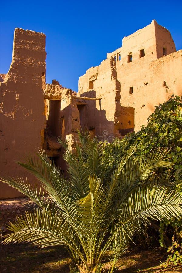 De oude Marokkaanse stad dichtbij Tinghir met oude kasbahs en hoog royalty-vrije stock fotografie