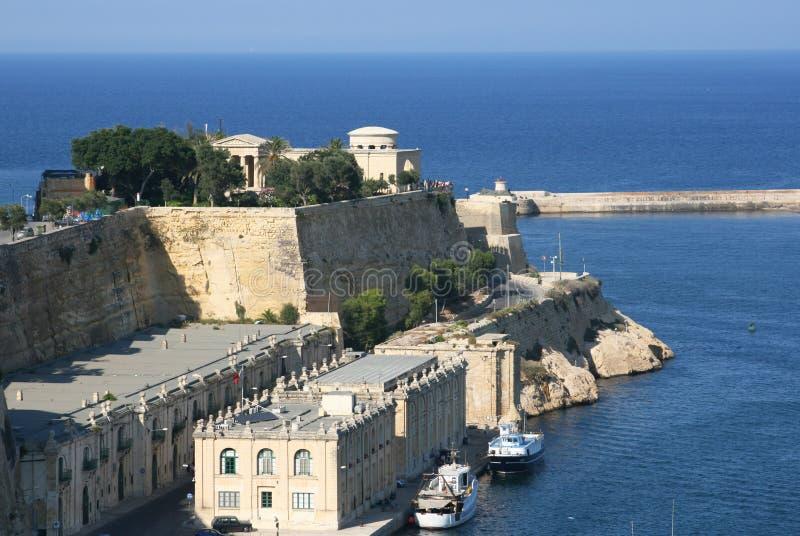 De oude muren van de stad-vesting Valletta, hoofdstad van Malta stock afbeeldingen