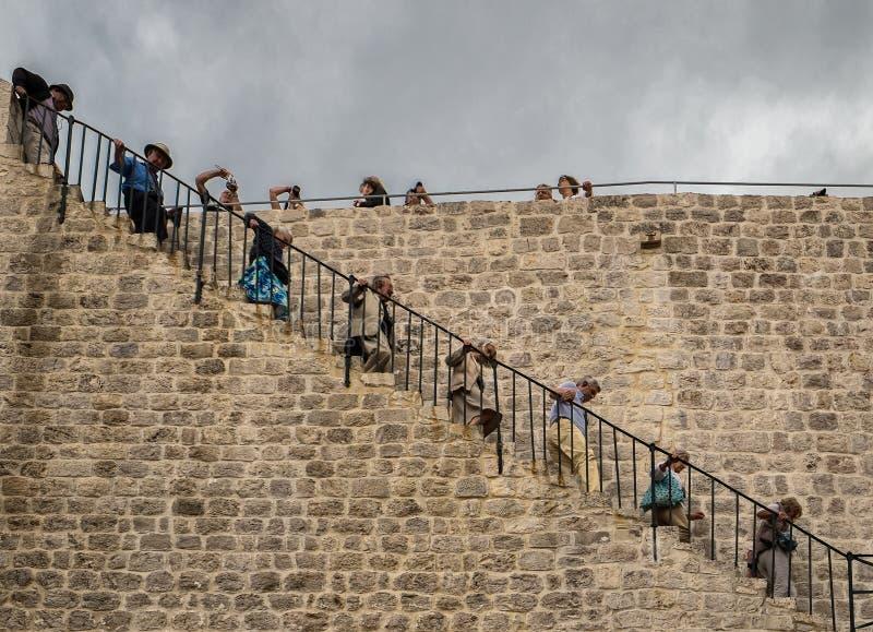 De oude muren van de steenstad Spel van tronen royalty-vrije stock foto